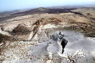 Massive Fissure splits open in the Ethiopian Desert