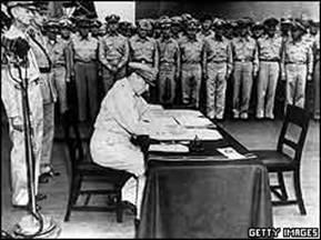 General Douglas MacArthur surrender Japan Battleship Missouri