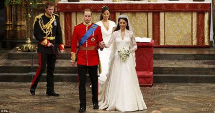 Prince William and Kate depart from Wedding