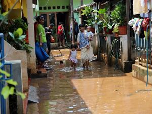 Flooding Jakarta Streets