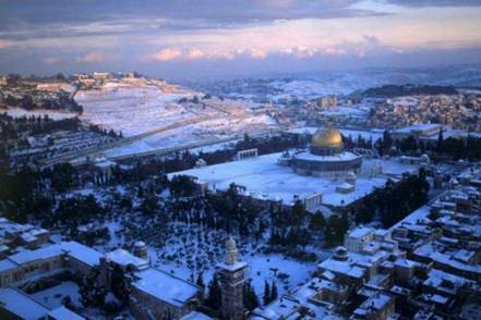 Snow carpeting the Temple Mount 2011-2012