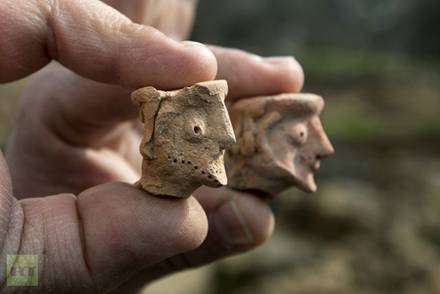 Clay Figurines of Human Heads at Tel Motza