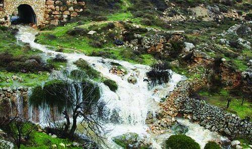River Nahal Hapirim in Gush Etz