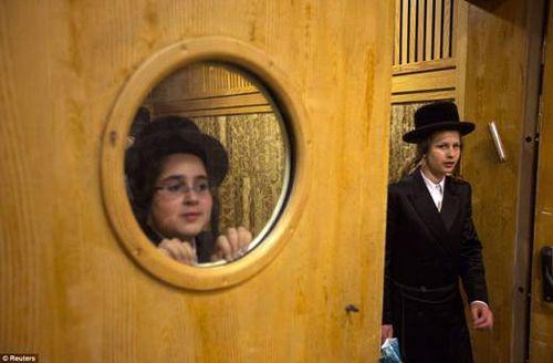 Hasidic Polish Belz Dynastic Wedding021