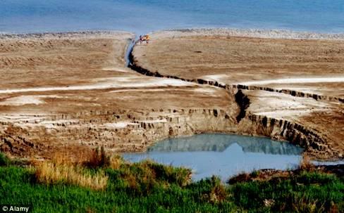 Dead Sea Sinkholes004