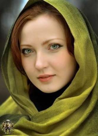 Gaelish Iranian Woman
