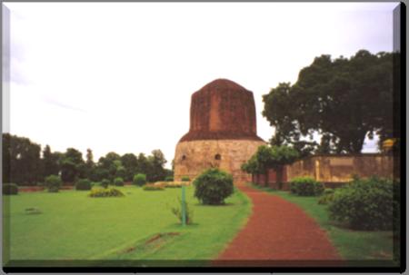 Dhâmek Stûpa in Sârnâth India
