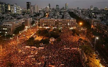 Hundreds of Thousands of Jews, even Leftist Jews protest the Disengagement of Gaza